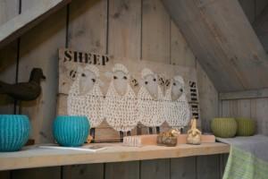 Bij Wad Anders zijn wij dol op alles wat met schaapjes te maken heeft en producten gemaakt van natuurlijke materialen.